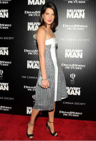 Cobie Smulders_Kwiat_Delivery Man _Nov 2013