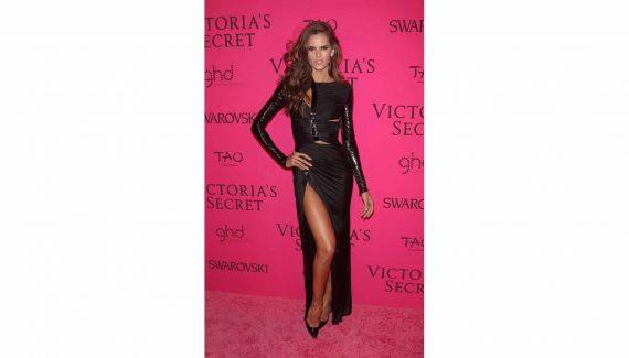 Izabel-Goulart-in-Versace