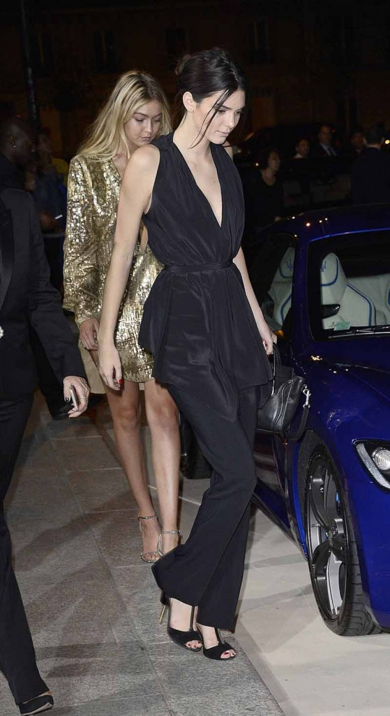 Kendall Jenner in Givenchy by Riccardo Tisci01