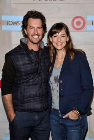 Blake Mycoskie and Jennifer Garner