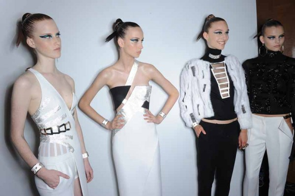 Versace Collection S15 Backstage (28)