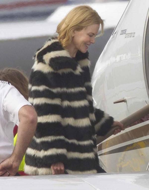 Nicole Kidman DKNY F14 coat 6-30-2015